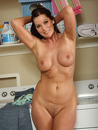 Yummy Housewide Strips Down And Does Laundry Nude