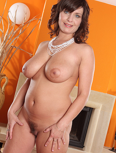 Elegant 30 year old Sophia M from AllOver30 shows offbig boobs