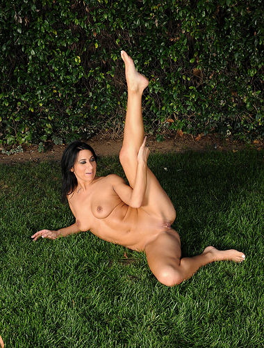 30 year old Sophia Bella strips off her clothes and plays outdoors