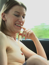 Katie Daze takes her hairy pussy for a ride