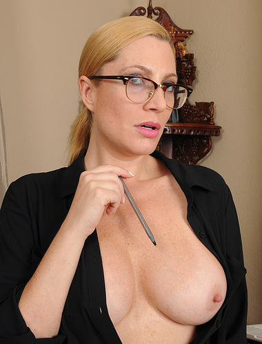 Hot blonde 40 year old secretary Jennifer Best spreading her tiny slit