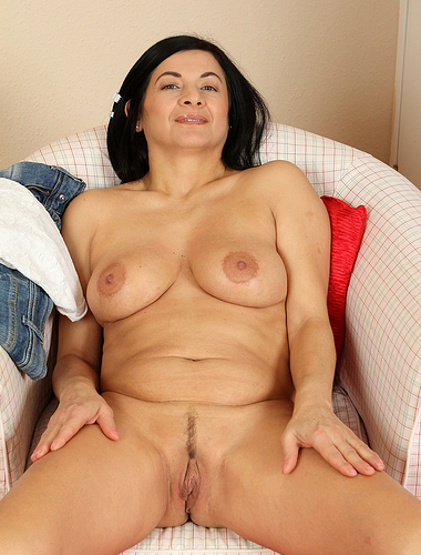 Hot 46 year old housewife Sarah Z spreading her mature pussy wide