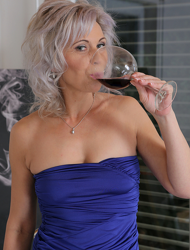 Beautiful and elegant Kathy White showing off her 30 year old pussy