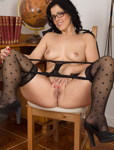 Montse Swinger puts down her notebook and opens her legs in here