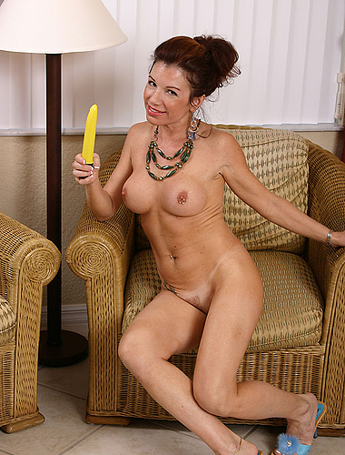 Exotic Milf Shows The Proper Way To Use Vibrating Toys